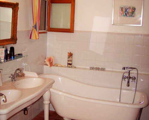 Keramische Verwarming Badkamer : Witte lelie huizen