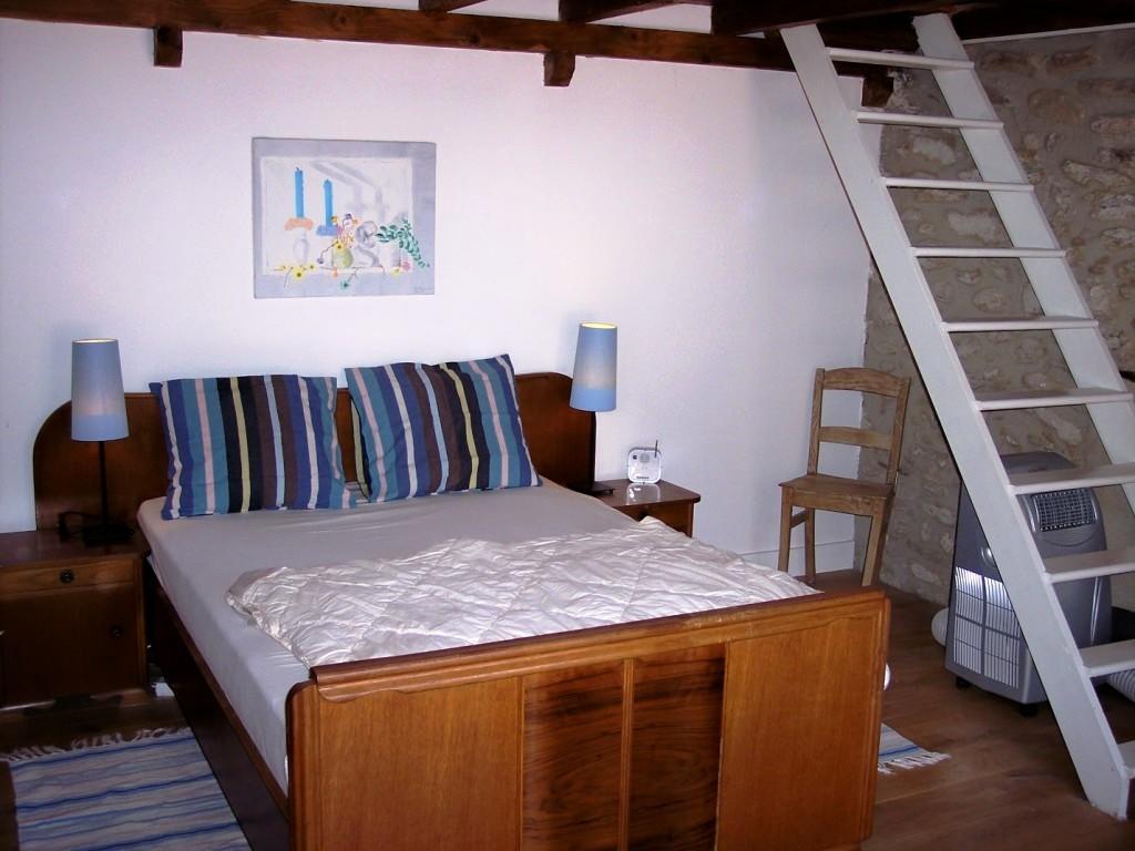 Witte lelie huizen for How to build a mezzanine floor for bedroom